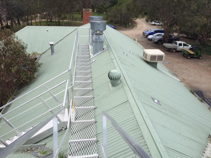 Roof Walkway Solutions | Aluminium Roof Walkways | Safe Rooftop